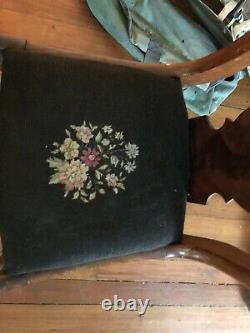 ANTIQUE Wooden Craftique Fiddle-Back Chairs with Needle Point Cushion (X2)
