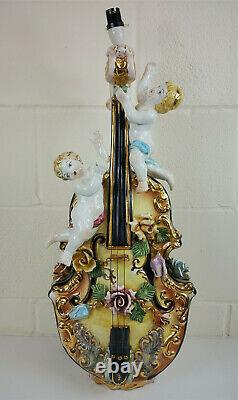 Capodimonte-style Lamp in the form of a Violin and Cherubs (few chips)