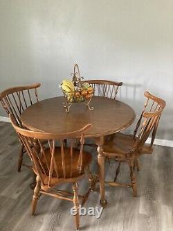 Ethan Allen Heirloom Maple Fiddle Back Duxbury Dinning Table Four Chairs Leaf
