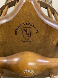 Nichols & Stone Fiddle Back Windsor Rocking Chair Governor Rocker Maple Wood