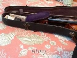 Vintage 1645 violin made in Cremona Germany by Ruggeri comes with case