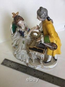 Antique Allemand Dresde Dentelle Porcelaine Figurine Couple Pianoforte Violon 6