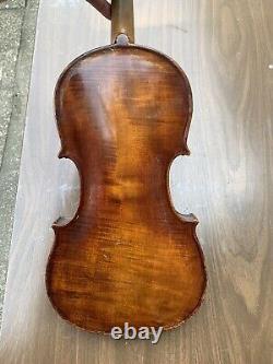 Old Vintage Violon 4/4 Antique Belle Flamme Un Pc Dos Non Étiqueté